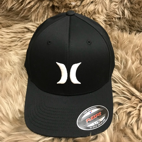 2bb9c312c43 Hurley Men s One and Only Black Flexfit Hat